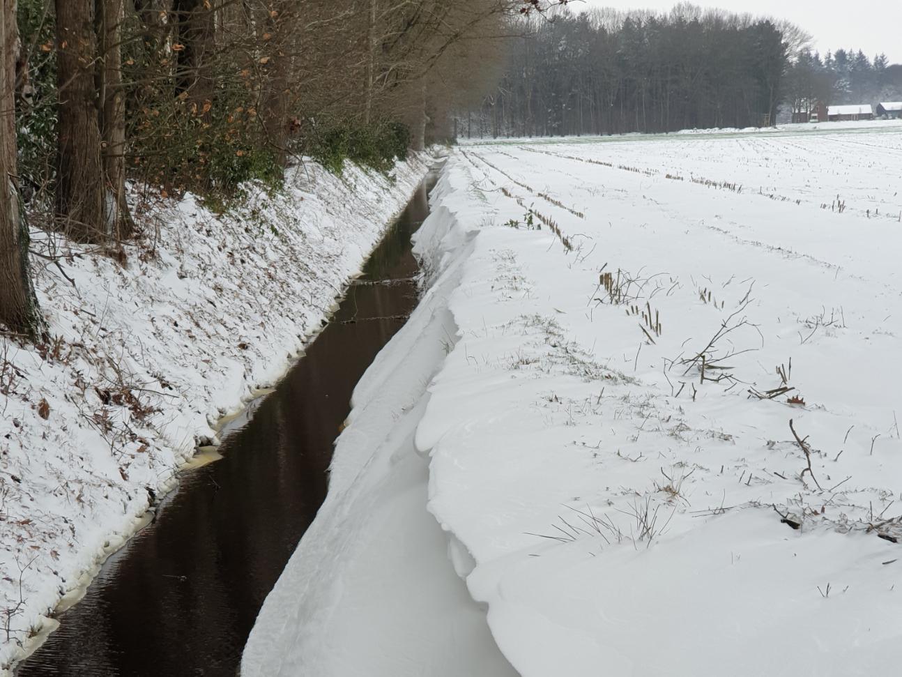 sloot-sneeuw
